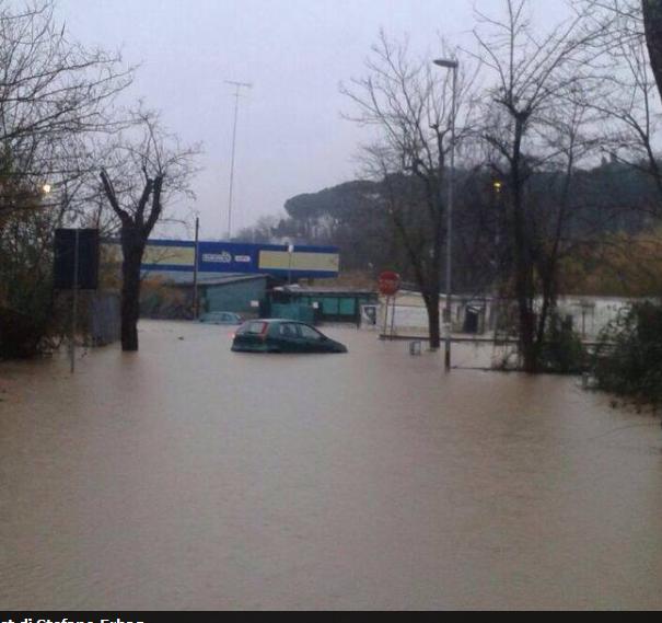 Nubifragio Roma, 31 Gennaio 2014. Zona inctrocio via giustiniana via santa cornelia
