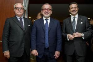 da sin. Achille Colombo Clerici, Roberto Maroni, Massimo Baggi