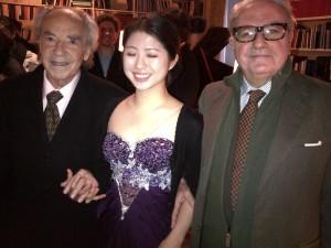 da sin. Paul Badura-Skoda, la giovane pianista Yoomin Shin, Achille Colombo Clerici