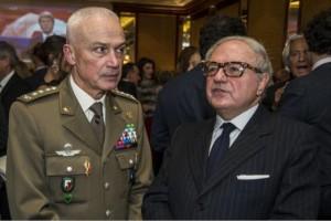 Achille Colombo Clerici con il gen. Giorgio Battisti premio Excellent 2015 per il Turismo