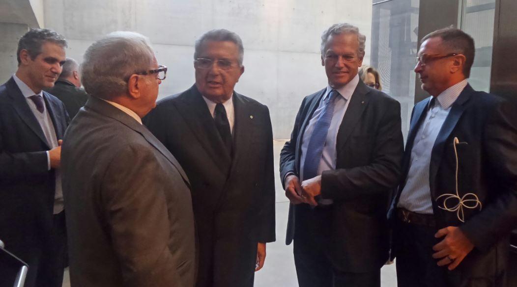 Foto: al centro da destra, Roberto Jarach, Carlo De Benedetti, Achille Colombo Clerici