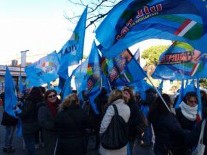 Presidio dei Lavoratori OSS San Giovanni Addolorata, indetto dalla Uil Fpl sotto la Regione Lazio